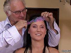 Cuckolding brunette wife films herself again