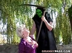 Blackcfnm granny fucked