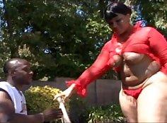 Bootylicious babes Anna Mina and Dallas Cruz screwed by big dick