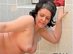 Horny Valentina sucks off on Brett Reece