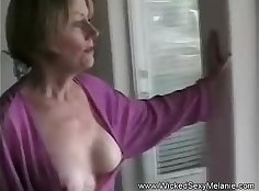 Do you want to see a big fetish cock chowder from my mom