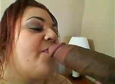 Curvy mature beauty drops her boyfriends fat cock