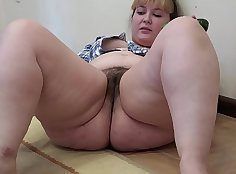 Chubby hairy pink snatch and pussy hard
