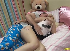 Camgirl makes dad cum in her face