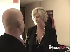 Busty granny on threeway pussylicking queasiestrae
