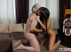 Russian nanny hot Lyra Louvel fucked in backseat