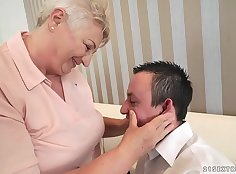 Chubby mommy Harriet Benson got her ass licked devently by Johnny Sins in the evening