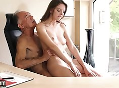 Teen Secretary Phat Pussy Fucked By Moving Office Show