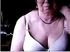 Blonde mom gives thick load on her belly for the cam